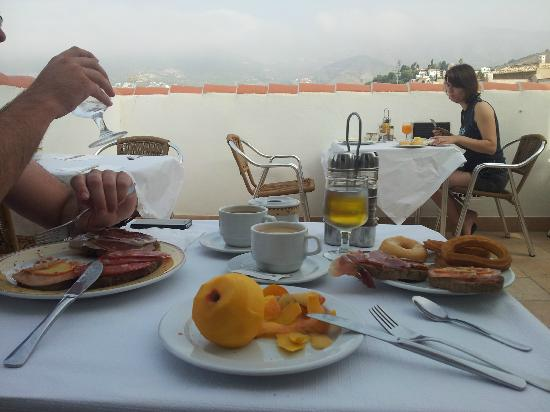 Hotel Almijara: Terraza desayuno