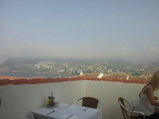 Hotel Almijara: Terraza desayuno vistas