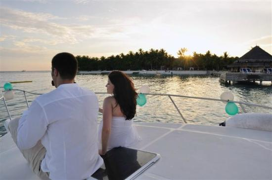 Vivanta by Taj Coral Reef Maldives: at sunset trip