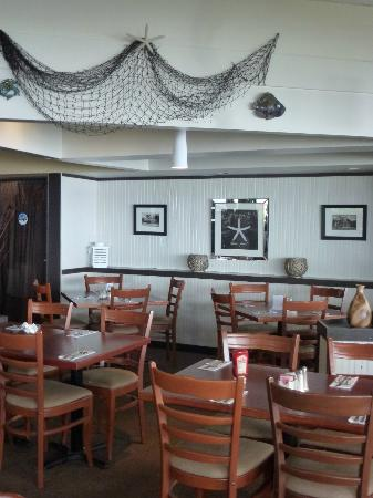 The Driftwood Inn: motel restaurant - great atmosphere