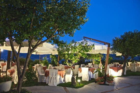 Il giardino degli aranci monreale ristorante recensioni numero di telefono foto tripadvisor - Giardino degli aranci frattamaggiore ...