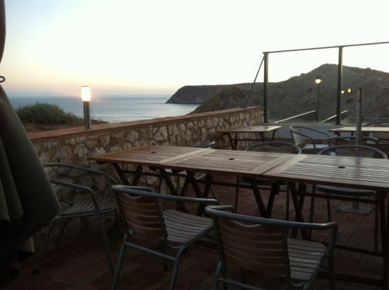 O Navegador: the terrace with the great view over Burgau beach