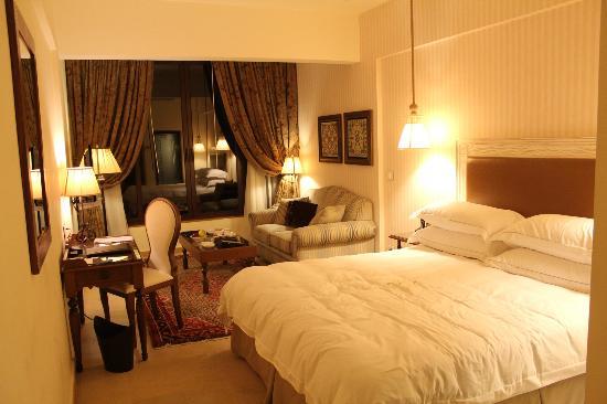 Byblos Sur Mer: Room