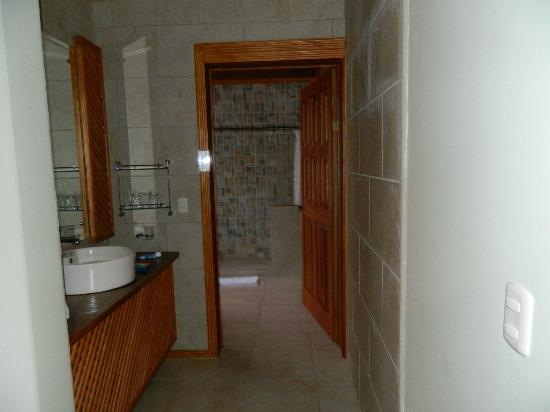 Ficus Sunset Suites Hotel: Bathroom
