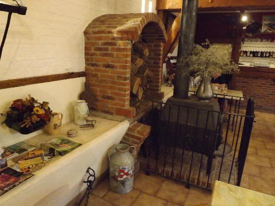 Vieux Puits Farm: Déco salle à manger
