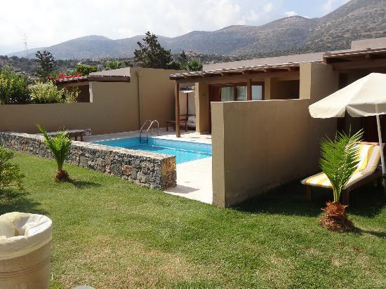 Une chambre (=bungalow jumelé) avec piscine privée - Picture of ...
