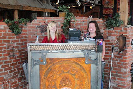 The Rock Wood Fired Pizza : Freindly Staff to great you