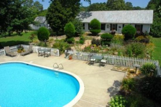 The Inn at Tabbs Creek Waterfront B&B: Take a dip in our Eco-Friendly, Chlorine free Pool