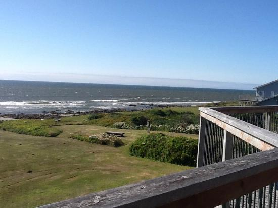 SeaQuest Inn Bed & Breakfast: view from great room balcony