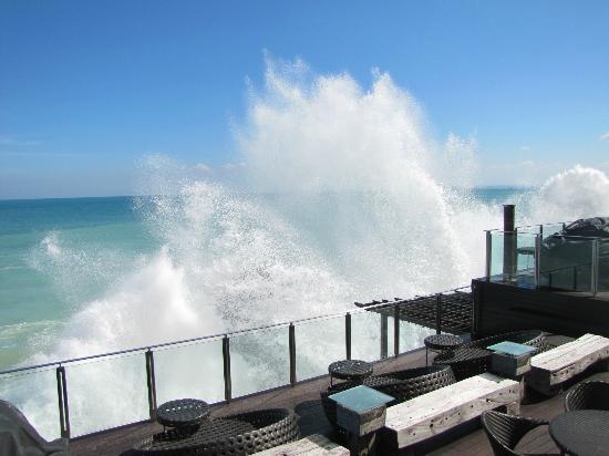 AYANA Resort and Spa Bali : Wellen
