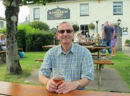 Rashleigh Arms : The Beer Garden