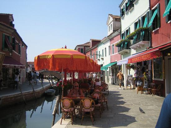 Il ristorante con i tavoli all 39 aperto foto di principe - Ristorante con tavoli all aperto roma ...