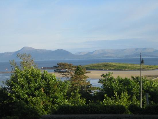 Mulranny Park Hotel: View from the dinig room across Clew Bay. Stunning in the flesh!