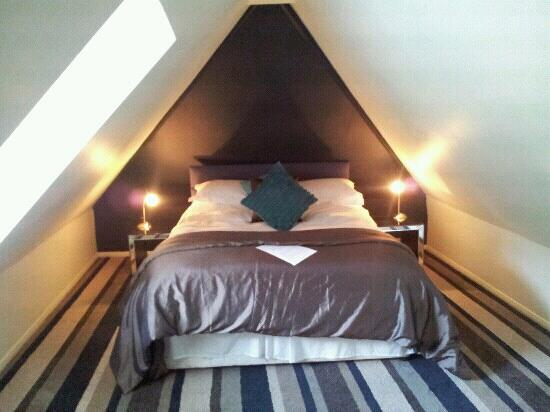 Satis House Hotel: attic suite