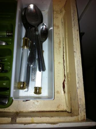 The Getaway: Kitchen silverware drawer
