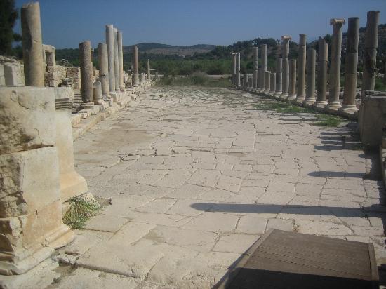 Patara Ruins: Main street