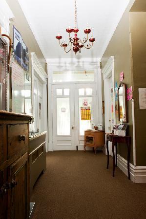 Gite du Parc Lafontaine Guest House: ENTRÉE