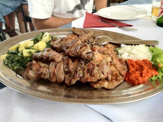 Kod Barba Bozjeg : Plato de carne a la parrilla