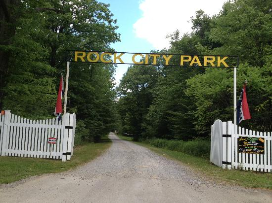 Rock City Park: entrance