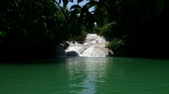 Palenque, Meksika: cascada de roberto barrios
