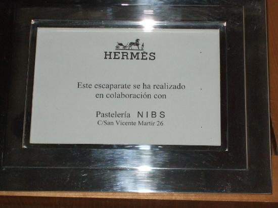 Nibs: Escaparate de Hermes en Valencia