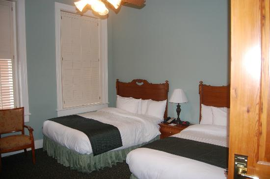 BEST WESTERN PLUS Windsor Hotel Americus: 2 Queen Bed Room