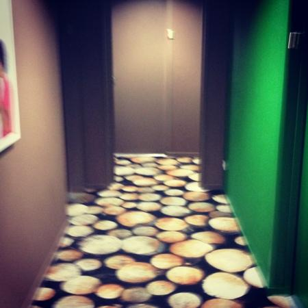Ibis Styles Saint-Brieuc Gare Centre : Couloir