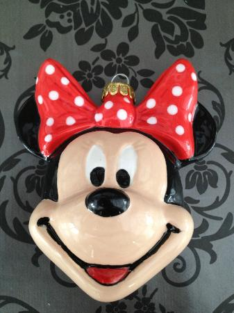 Activity Box: Minnie mouse bauble i painted