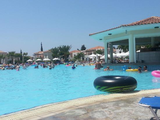 Avanti Holiday Village : pool