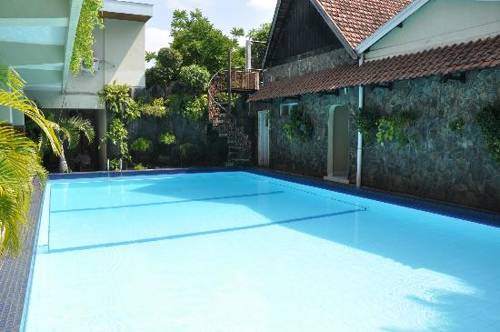 Mercury Guest House: Pool