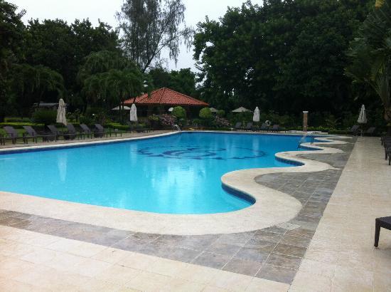 El Embajador, a Royal Hideaway Hotel: garden bar / pool