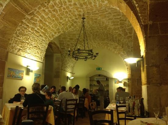 Ristorante La Cambusa: locale, sala interna