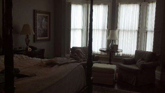 The Inn on Negley: View of room toward front window wall.  Appears darker than it was.