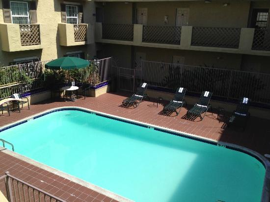 La Quinta Inn & Suites San Diego Old Town / Airport: pool