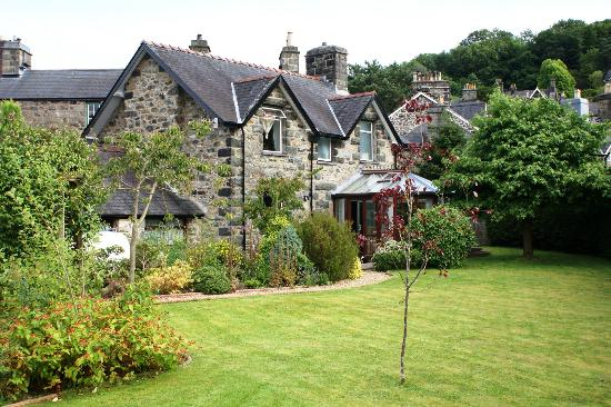 Dolronwy Bed & Breakfast: We have a large rear garden, double garage and ample parking