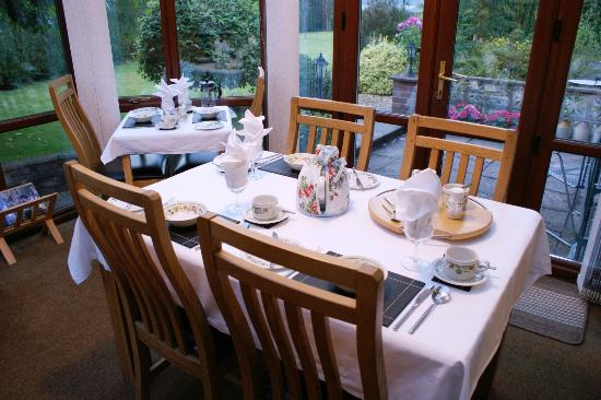Dolronwy Bed & Breakfast: Breakfast at a time most convenient to you