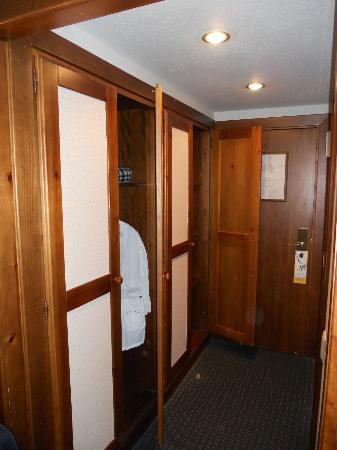 Hotel abba Formigal: Pasillo, armarios