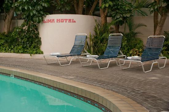 Ilima Hotel : Pool