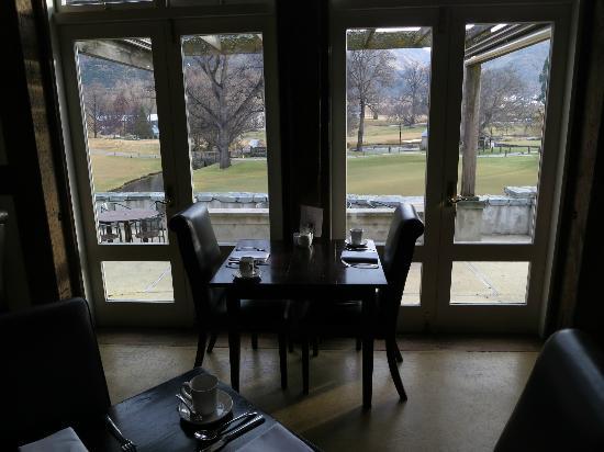 Millbrook Resort: Breakfast venue inside