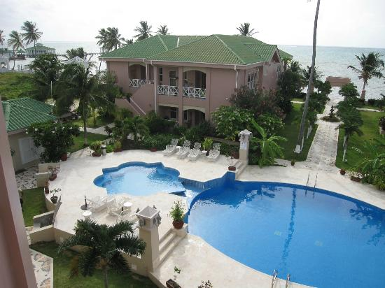 Grand Colony Island Villas: View from 3rd floor balcony