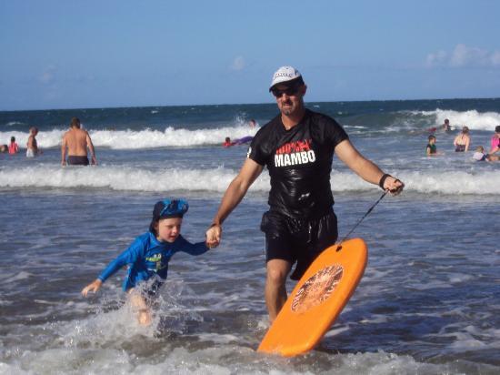 Bargara Beach Caravan Park: Beach