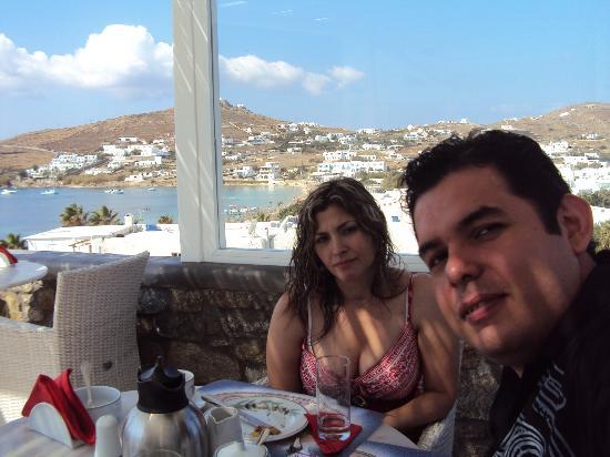 Deliades Hotel: Nosotros a desayunar!!...