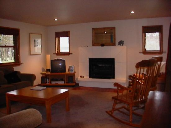 Whitestone Cottages: Beautiful lounge