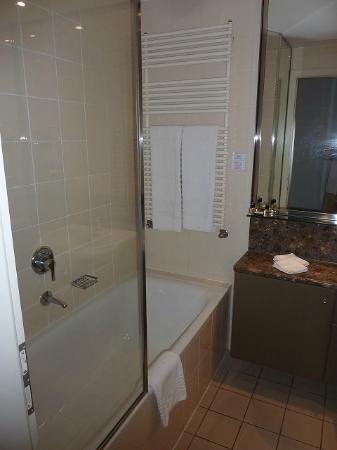 Adina Apartment Hotel Budapest: バスタブつきで嬉しかった