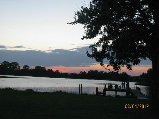 The Inn at Tabbs Creek Waterfront B&B: Sunset from the porch