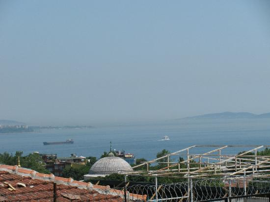 Aldem Hotel: View of Sea of Marmara from Terrace