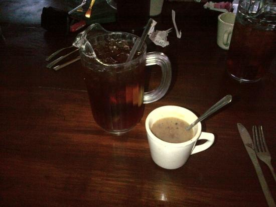 Texas Roadhouse: Iced tea by the pitcher and pinto bean soup!