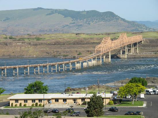 Celilo Inn: Columbia River