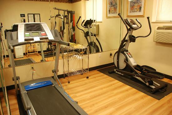 Howard Johnson Inn Jamaica JFK Airport NYC: FITNESS CENTER