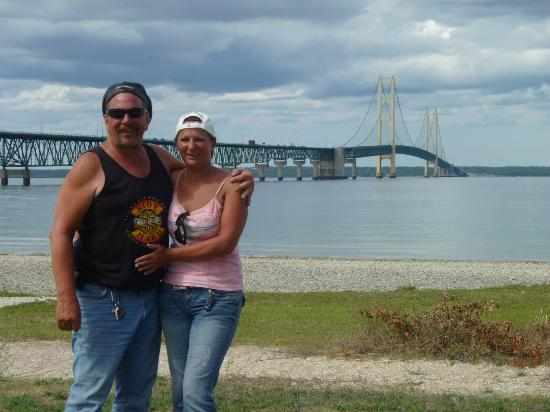 Baymont Inn & Suites Mackinaw City: View from the beach at the Mackinaw bridge